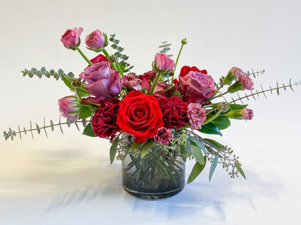 Red & pink flower arrangement
